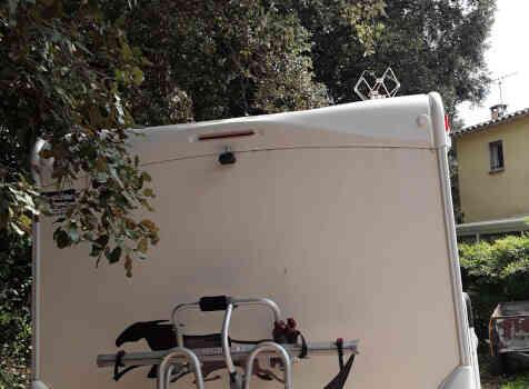 camping-car MC LOUIS   extérieur / arrière