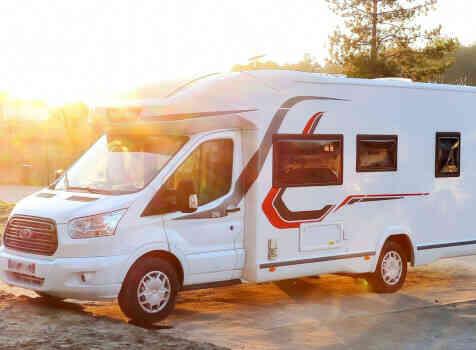 camping-car CHALLENGER  396  extérieur / face avant