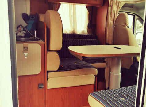 camping-car RIMOR 69 PLUS   intérieur / coin salon