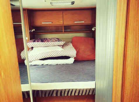 camping-car RIMOR 69 PLUS   intérieur / couchage principal