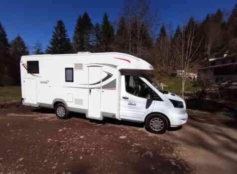 camping-car ROLLER TEAM 284 TL  extérieur / latéral