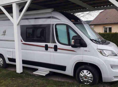 camping-car RAPIDO V55  extérieur / latéral droit