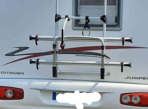 camping-car RAPIDO  LE RANDONNEUR  extérieur / arrière