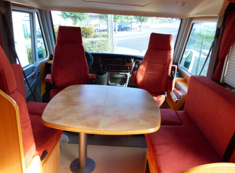 camping-car PILOTE REFERENCE G 735  intérieur / coin salon