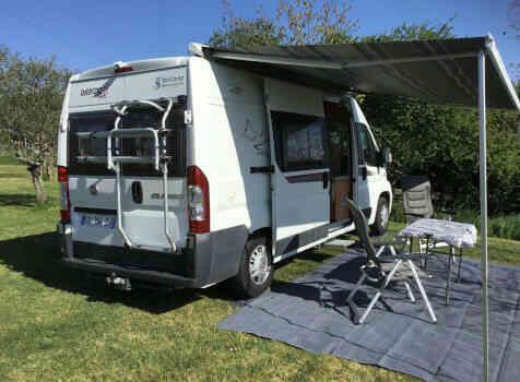 camping-car RAPIDO V53  extérieur / latéral droit