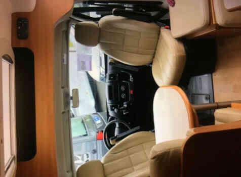 camping-car RAPIDO V53  intérieur / couchage principal