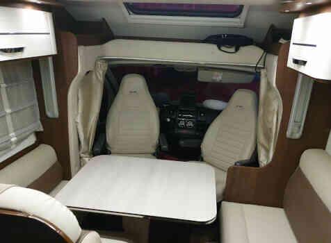 camping-car MC LOUIS MC4 80  intérieur / coin salon