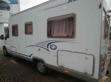 camping-car DETHLEFFS TX ADVANTAGE  extérieur / latéral droit