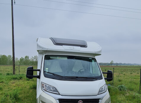 camping-car CI MAGIS 66 XT  extérieur / face avant