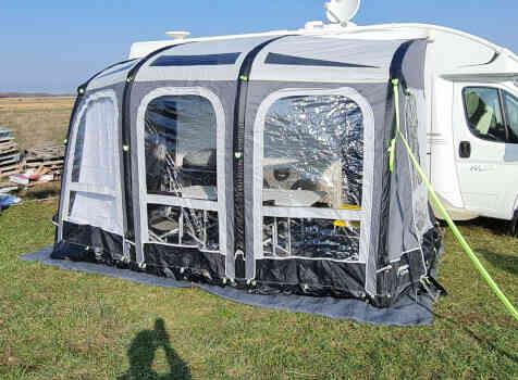 camping-car CI MAGIS 66 XT  intérieur / autre couchage