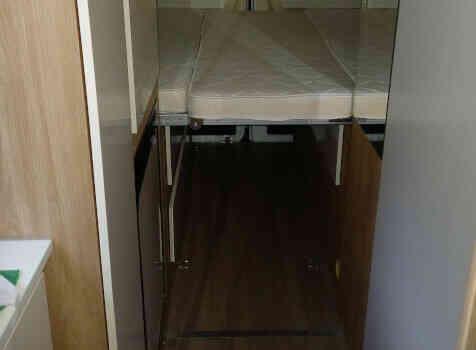 camping-car RIMOR  intérieur / couchage principal