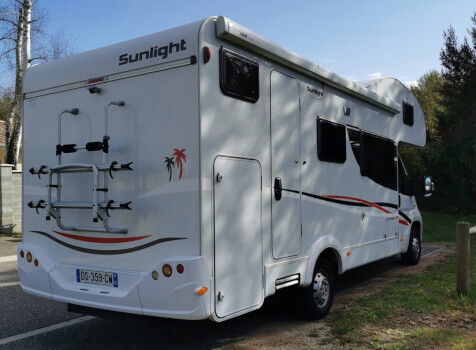 camping-car SUNLIGHT A72   extérieur / latéral gauche