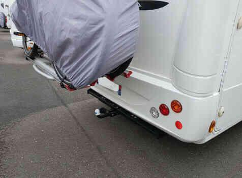 camping-car  PLASY HP74  extérieur / arrière