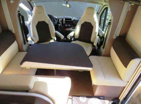 camping-car BURSTNER LYSEO TR 745 PRIVILEGE  intérieur / coin salon