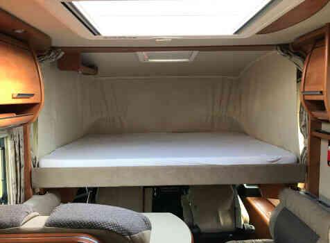camping-car CARTHAGO CHIC C-line ll 5.0  intérieur / autre couchage