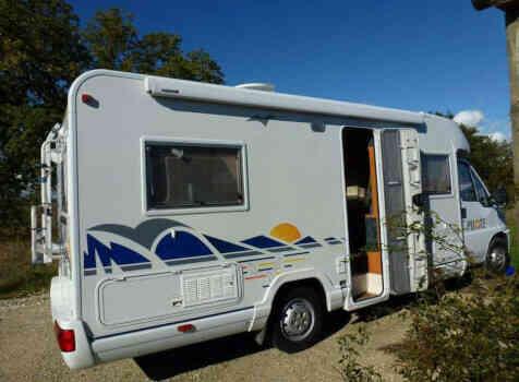 camping-car PILOTE PACIFIC 690  extérieur / latéral droit