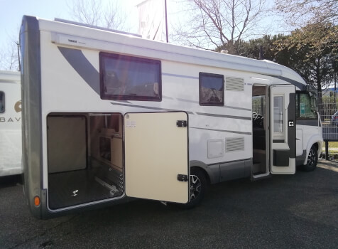 camping-car MOBILEVETTA YACHT TECHNO LINE 89  extérieur / latéral gauche