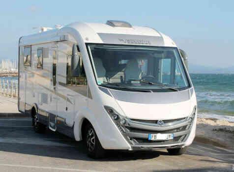 camping-car MOBILEVETTA YACHT TECHNO LINE 89  extérieur / face avant