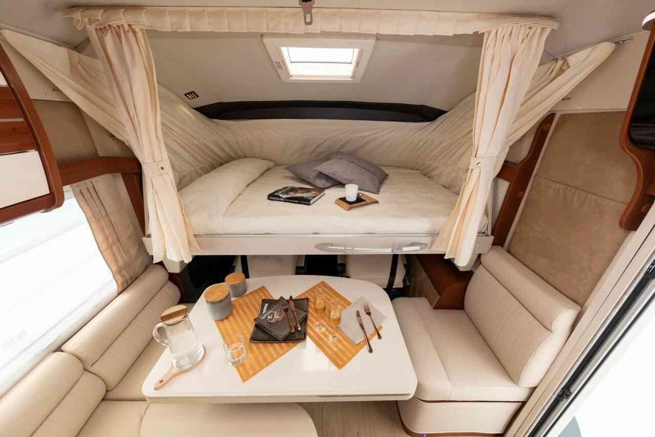 camping-car MOBILEVETTA YACHT TECHNO LINE 89  intérieur / autre couchage