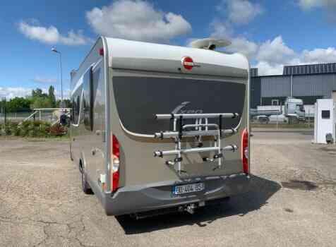 camping-car BURSTNER IXEO IT 735  extérieur / latéral droit