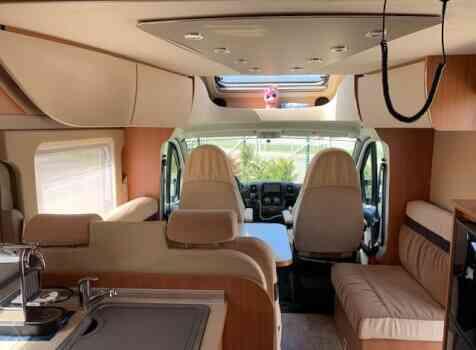 camping-car BURSTNER IXEO IT 735  intérieur / autre couchage