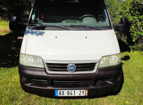 camping-car CHALLENGER   extérieur / face avant