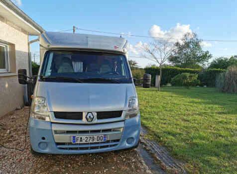 camping-car BURSTNER DELFIN T 680  extérieur / face avant