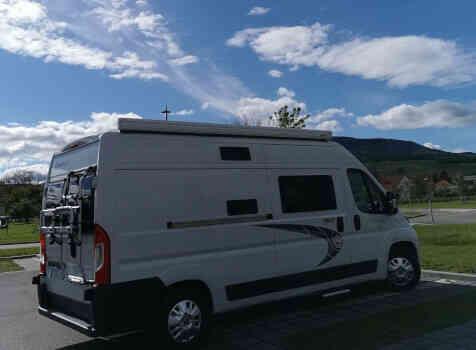 camping-car CHAUSSON TWIST V594 MAX  extérieur / latéral droit