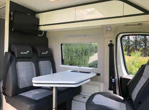camping-car ELIOS 59T  intérieur / coin salon