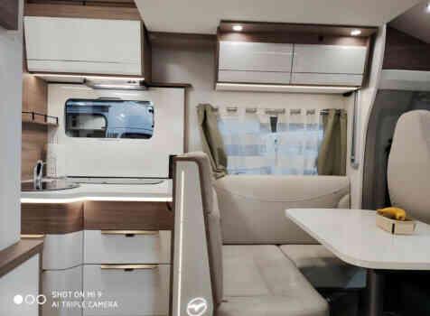 camping-car PILOTE P 746 GJ  intérieur / autre couchage