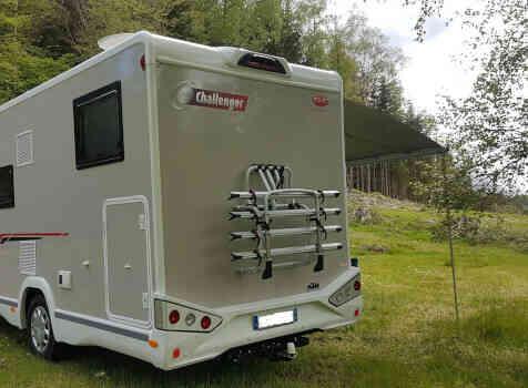 camping-car CHALLENGER 347 GA  extérieur / arrière