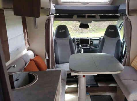 camping-car CHALLENGER 347 GA  intérieur / coin salon