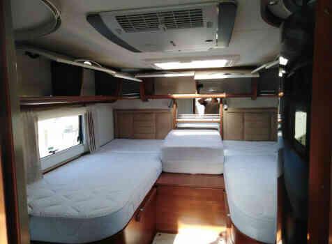 camping-car MOBILVETTA  K-YACHT 85  intérieur / autre couchage