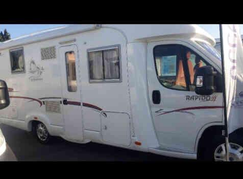 camping-car RAPIDO 7087F  extérieur / latéral droit