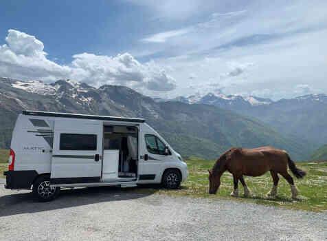 camping-car MC LOUIS MENFYS 3 MAXI S-LINE BVA  extérieur / latéral droit