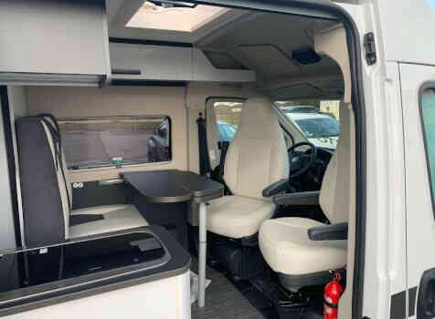 camping-car MC LOUIS MENFYS 3 MAXI S-LINE BVA  intérieur / coin salon