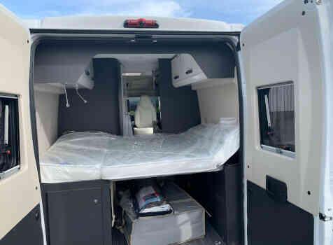 camping-car MC LOUIS MENFYS 3 MAXI S-LINE BVA  intérieur / couchage principal