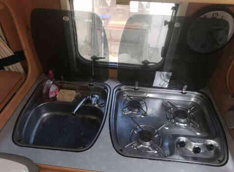 camping-car DETHLEFFS TX ADVANTAGE  intérieur  / coin cuisine
