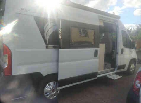 camping-car DREAMER D 53   extérieur / latéral gauche