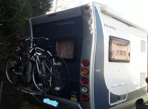 camping-car HOBBY TRANSIT  extérieur / arrière