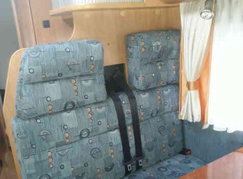 camping-car HOBBY TRANSIT  intérieur / coin salon