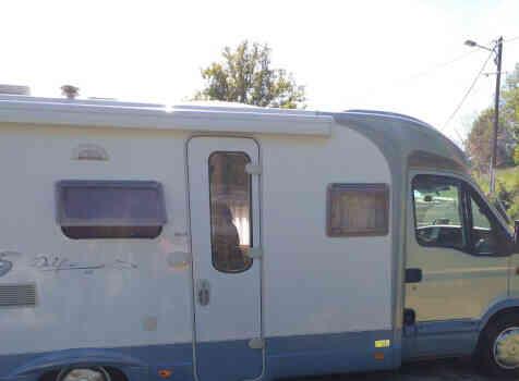 camping-car BURSTNER DELFIN 695  extérieur / latéral droit