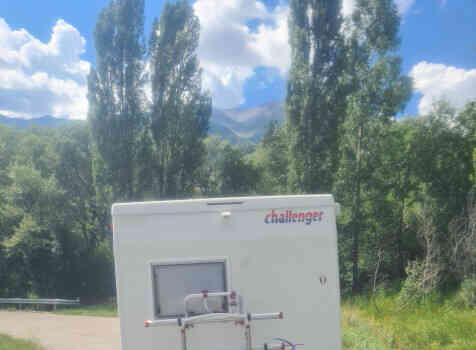 camping-car CHALLENGER EDEN 601  extérieur / arrière