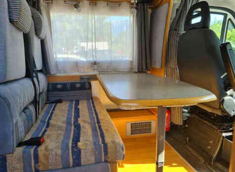 camping-car CHALLENGER EDEN 601  intérieur / coin salon