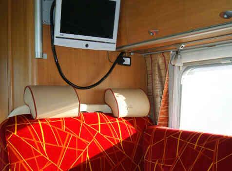 camping-car BURSTNER NEXXO T 687  intérieur / coin salon