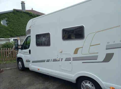 camping-car BAVARIA T 71 LP  extérieur / latéral droit