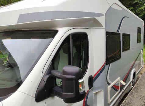 camping-car CHALLENGER GRAPHITE 398 XLB  extérieur / latéral gauche