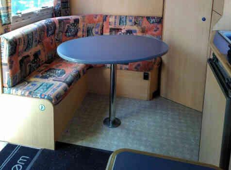 camping-car CHAUSSON WELCOME 50  intérieur / coin salon