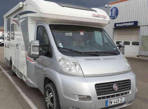 camping-car CHALLENGER MAGEO 119 EB  extérieur / face avant
