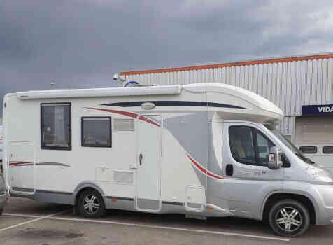 camping-car CHALLENGER MAGEO 119 EB  extérieur / latéral gauche